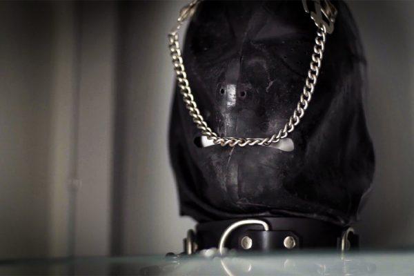 erotic-treatments-mask-medical-mistress-cornwall-image-1